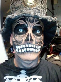 Scary skull face paint #halloween #snazaroo #facepaint