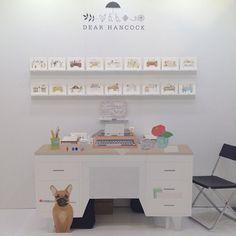 clean stall idea, booth display, display idea, poppytalk