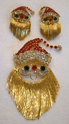 Vintage rhinestone Santa brooch and earrings with beard chain dangles