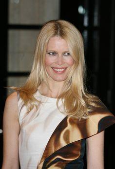 Claudia Schiffers golden blonde hairstyle