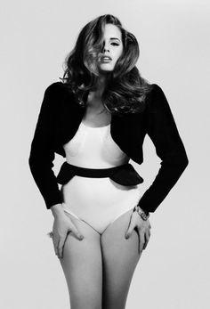 curves ahead jacket, model, real women, bree warren, curvy girls, real beauty, curvy women, plus size fashions, beauti