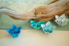 paper flower decor. / Find the tutorial for the flowers here: http://pinterest.com/pin/180070667/