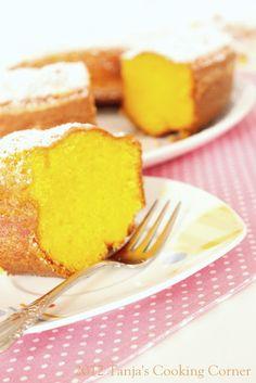 Bolo de Cenoura/ Carrot Cake Brazilian Style by tanjascookingcorner.blogspot.com.  #cake #carrots