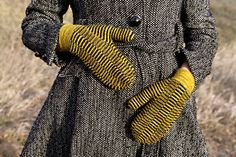Temblor Mittens by Annie Watts