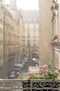 rainfall during the sunshine, paris