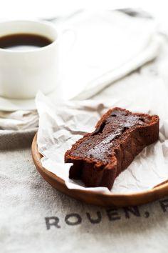 ... simple chocolate cake ...