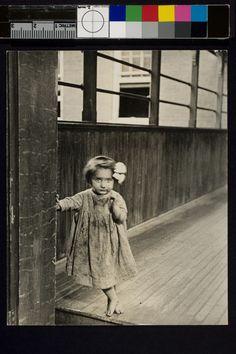 Child in tenement, Pittsburgh 1909