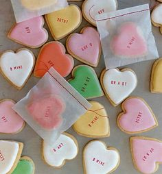 Sweet Heart Cookies...totally love these message cookies!
