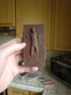 How-To: Han Solo in Carbonite Chocolate Bar from Instructables user FreakCitySF #StarWars