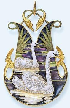 Lalique ~ 1898-1900 'Swans' Pendant. Chased gold/ opaque enamel on gold/ plique-à-joir enamel.  old-world.tumblr.com