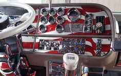 Big Rig Truck Interiors | Custom Big Rig Interiors - Las Vegas and Fergus Truck Shows 2007 - Mid ...