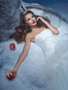 SNOW WHITE  The Fairest of The All...