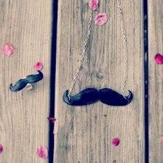 Create a mustache ring and necklace with this easy jewelry tutorial.