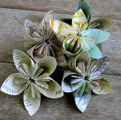 PaperVine: Map Folded Flowers PLUS Tutorial Easier than I thought! - Heather Scott