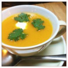 Wortelsoep met curry en coriander