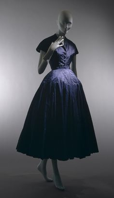 """""""Chérie"""" dinner dress, spring/summer 1947 Christian Dior (French, 1905–1957); Christian Dior Haute Couture (French, founded 1947) Silk"""