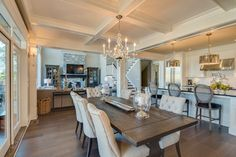 New West Classic - traditional - Dining Room - Vancouver - Clay Construction Inc.