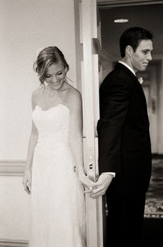 So adorable!!! Love that moment right before your first look!