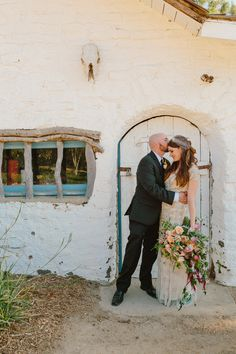 Leo Carrillo Ranch wedding, photo by The Melideos http://ruffledblog.com/leo-carrillo-ranch-wedding #weddingportrait