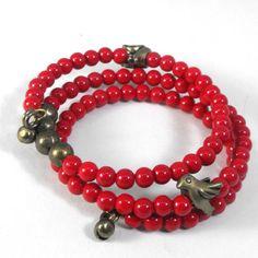 Little Birdie Memory Wire Bracelet - that birdie's rockin' it.