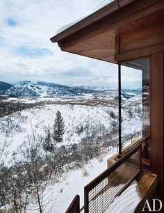 A timber-clad Aspen, Colorado, retreat by Studio Sofield takes in views of snowcapped peaks.