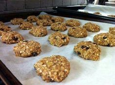 2 large ripe bananas + 1 c quick oats + 350° oven for 12-15 min = Healthy and delicious cookies!