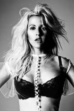 Ellie Goulding.. you already sing me to sleep, now how 'boutcha come cuddle?!