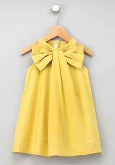 Gorgeous yellow dress for a little girl