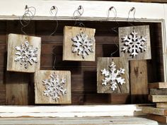 Ornaments out of reclaimed wood for Christmas time