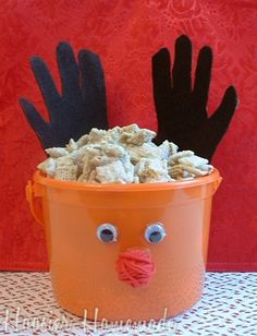 Reindeer Feed Recipe {White Chocolate Peppermint Chex Mix}
