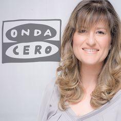 Elena Gijón, presenta y dirige Noticias Mediodía