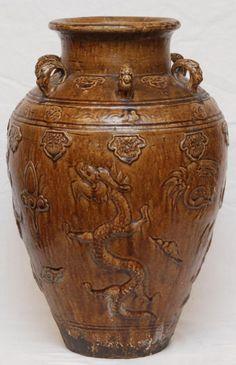 Chinese olive glazed pottery Vase, Ming Dynasty (1368-1644 AD).