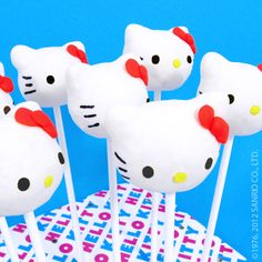 Yum! Make your own sweet treats with a Hello Kitty cake pop baking kit!