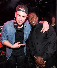 Saturday night, Sept 6, 2014 actor and comedian Kevin Hart hosted the official HartBeat Weekend after party at Marquee Nightclub at The Cosmopolitan of Las Vegas (Pictured: Eric D-Lux and Kevin Hart – Photo credit: Brenton Ho, Powers Imagery).