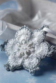Mini Christmas Crochet : Maggie Weldon, Free Crochet Patterns
