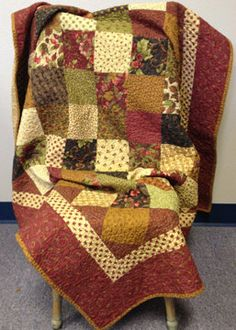 Shop sample  Fall Quilt  finished quilt by myreddoordesigns