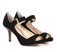 perfect peep toe shoes with a comfortable heel height