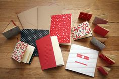 Lovely little stitched notebooks :)    http://angrychicken.typepad.com/angry_chicken/2007/11/book-binding-lo.html#