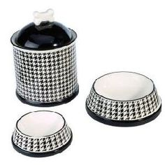 houndstooth doggie's dishes...too cute!