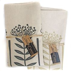 Table runner - Pincushion, in charcoal