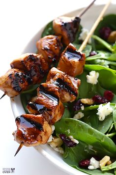Easy Balsamic Chicken Skewers + #SaladSavors #SavorSummerGiveaway with @Valeria Cervantes Delallo Foods | @Ali Velez Velez Ebright (Gimme Some Oven) #recipe #giveaway #summer