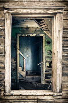 Photo of an abandoned house