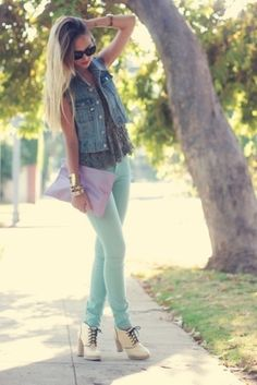 THE Denim Vest with coral instead skinny jeans