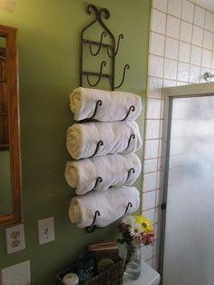 Ideia simples para economizar espaço no banheiro
