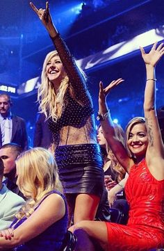 Ellie Goulding :)