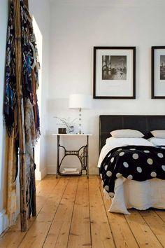 GAAYA arte e decoração quarto, blanket, polka dots, sewing tables, floors, sew machin, bedside tables, bedroom, old sewing machines