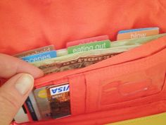 How To Organize Your Cash Envelope System : Free PDF file for the tabs for the wallet!