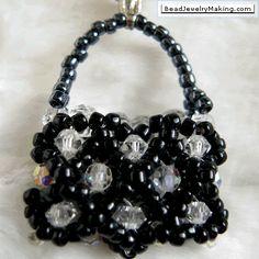 Beaded Bag charm. Isn't it beautiful??  MUST...MAKE...IT!!!!!!!!!!!!