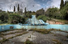 eerie but awesome photos from abandoned places- photos by Niki Feijen