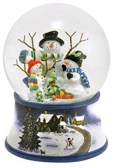 Snowman Family snow globe